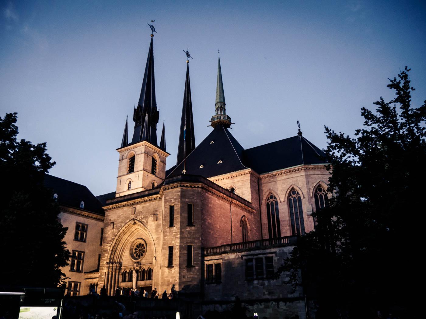 Kathedrale unserer lieben Frau, Cathédrale Notre-Dame de Luxembourg